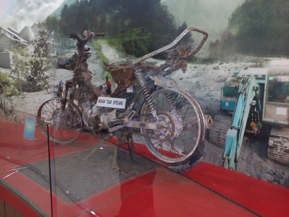 museum gunung merapi sewa mobil semarang 2